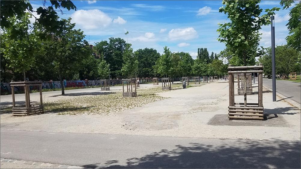 mauerpark01.jpg