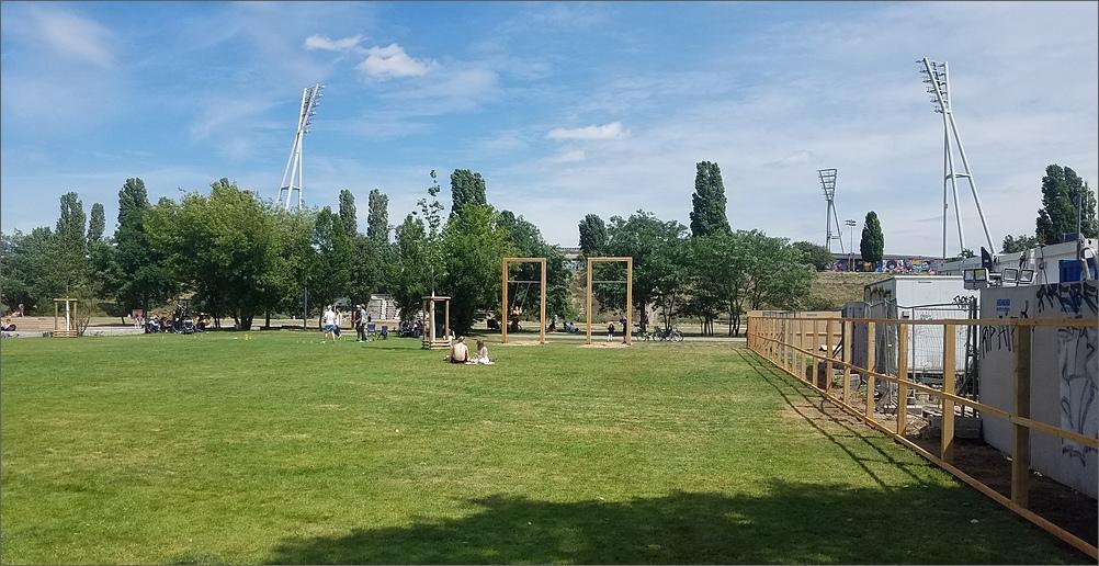 mauerpark04.jpg