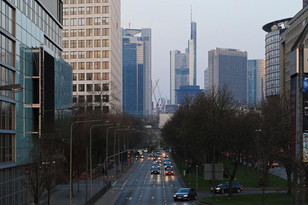 Bild: http://www.deutsches-architektur-forum.de/pics//cyfi/BV_Messe_1170324_1L.jpg