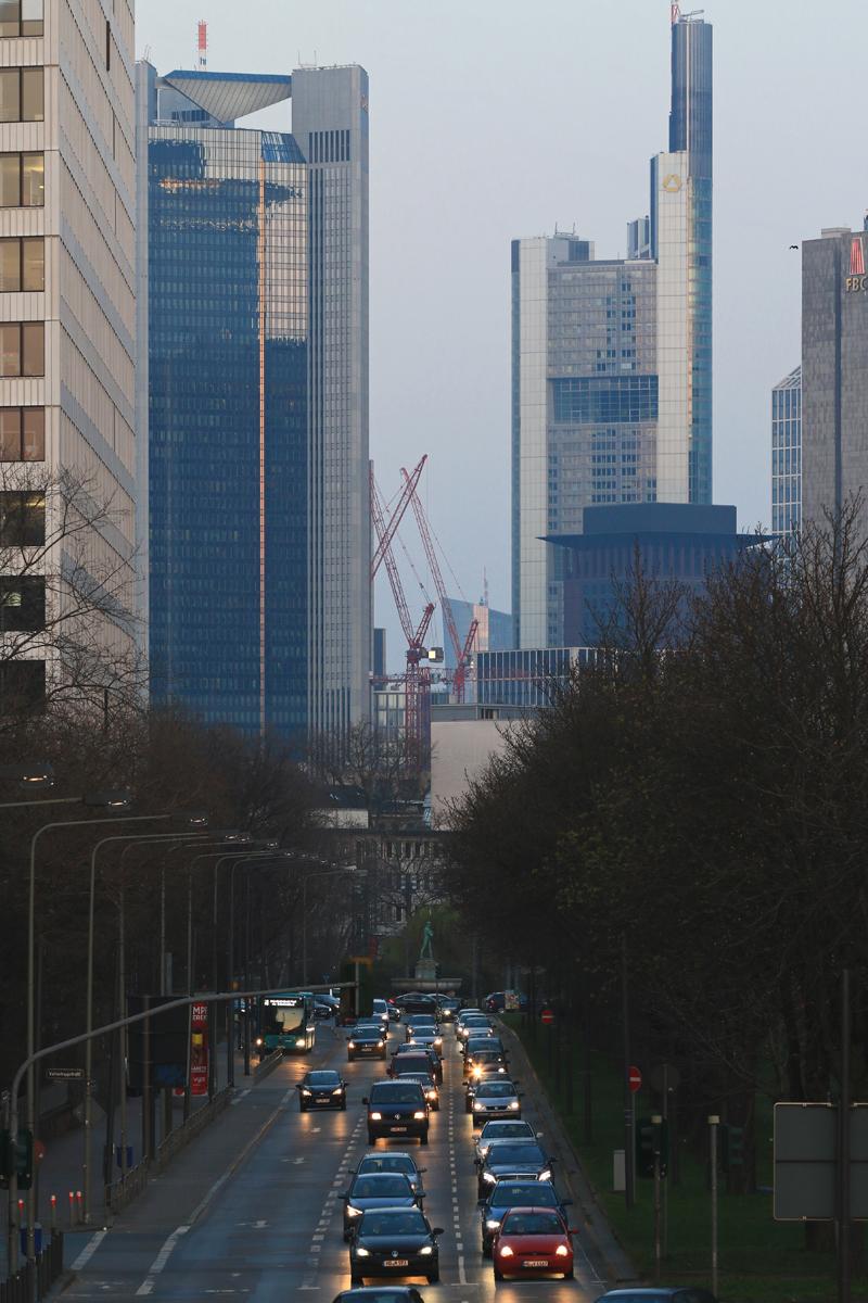 Bild: http://www.deutsches-architektur-forum.de/pics//cyfi/BV_Messe_1170324_2L.jpg