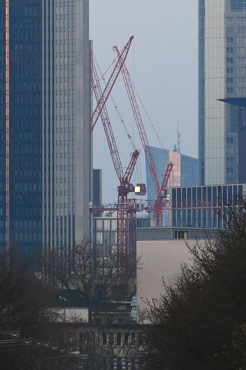 Bild: http://www.deutsches-architektur-forum.de/pics//cyfi/BV_Messe_1170324_4L.jpg