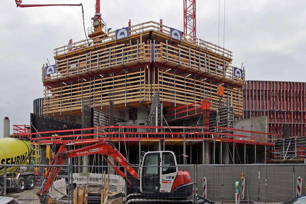 Bild: http://www.deutsches-architektur-forum.de/pics//cyfi/Grand_1170421_3c.jpg
