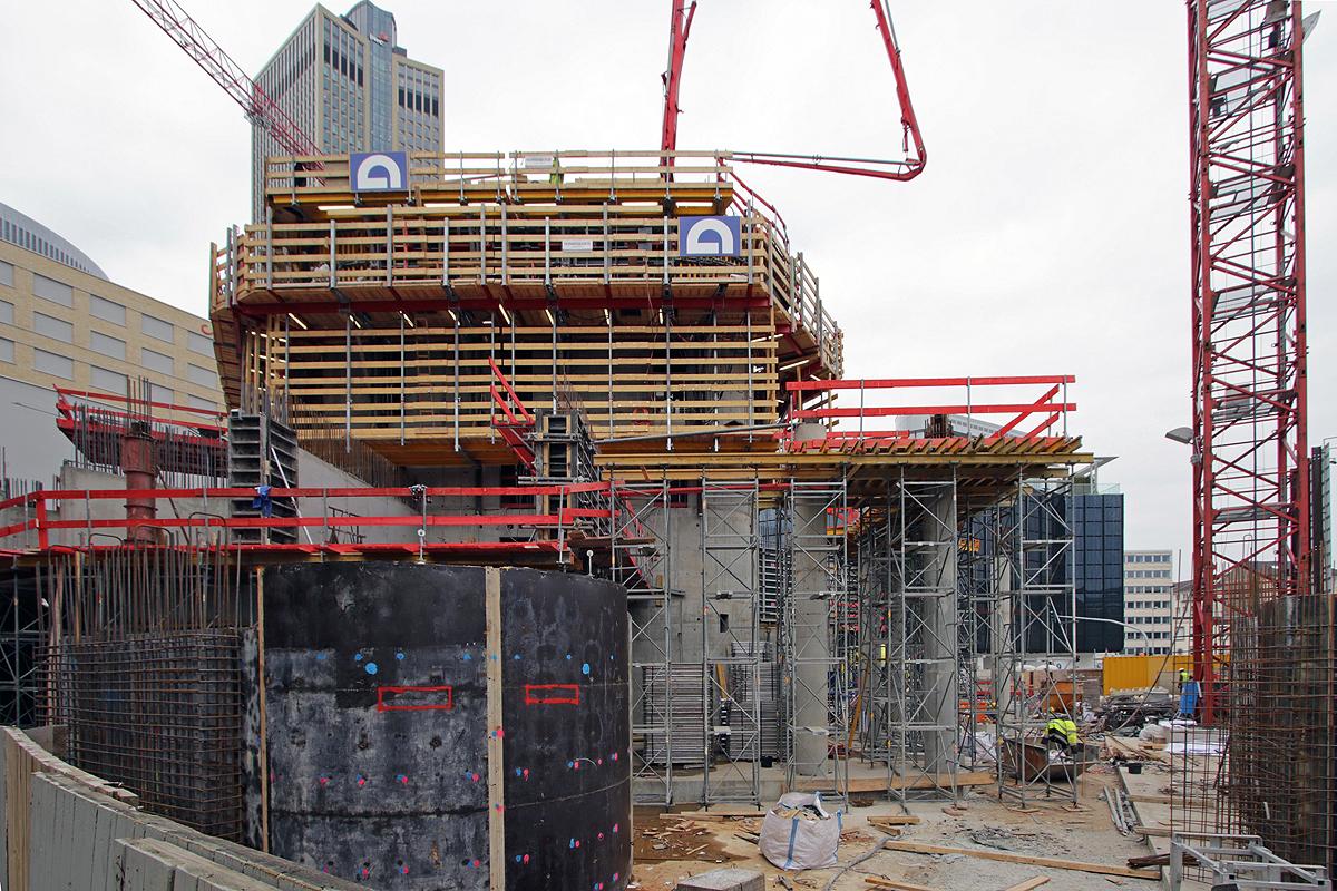 Bild: http://www.deutsches-architektur-forum.de/pics//cyfi/Grand_1170421_5.jpg