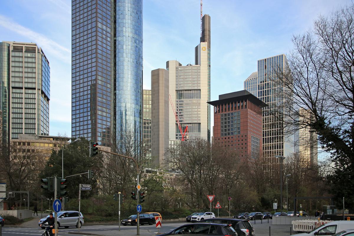 Bild: http://www.deutsches-architektur-forum.de/pics//cyfi/Omni_1170323_2.jpg