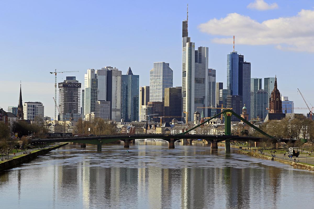 Bild: http://www.deutsches-architektur-forum.de/pics//cyfi/Winx_1170311_1.jpg