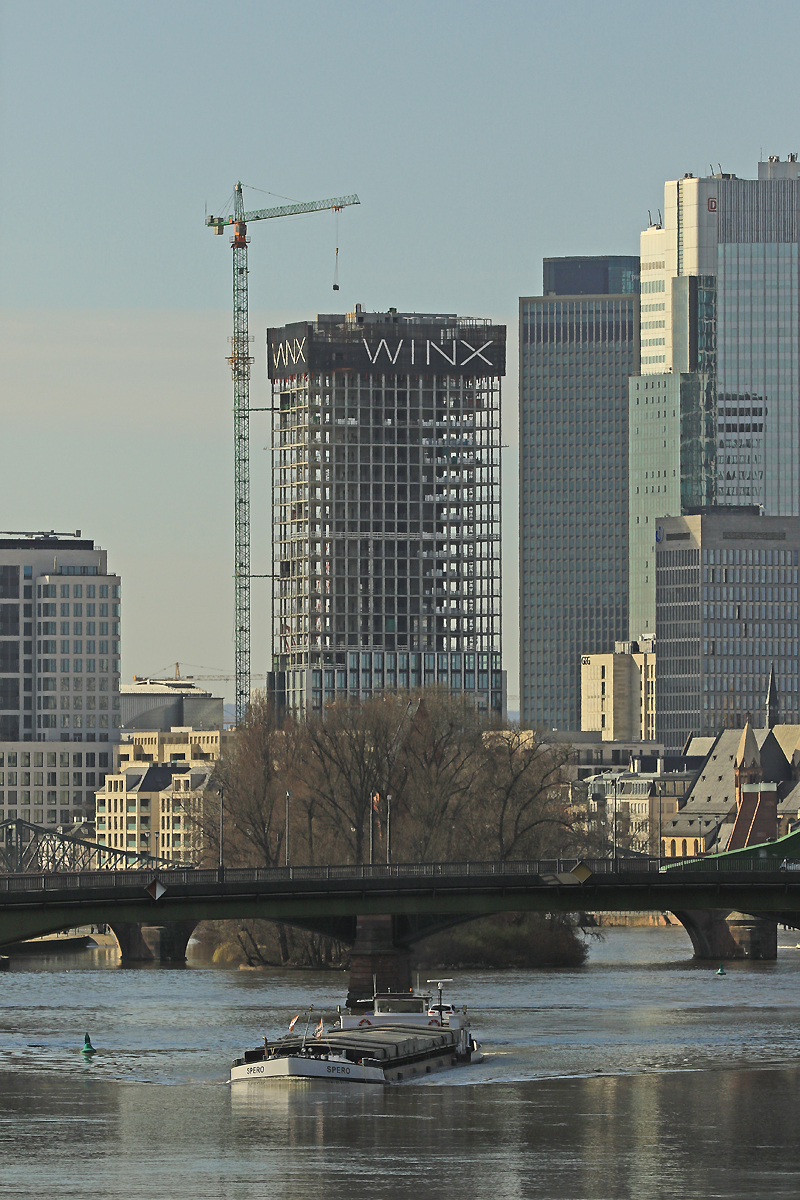 Bild: http://www.deutsches-architektur-forum.de/pics//cyfi/Winx_1170311_2.jpg