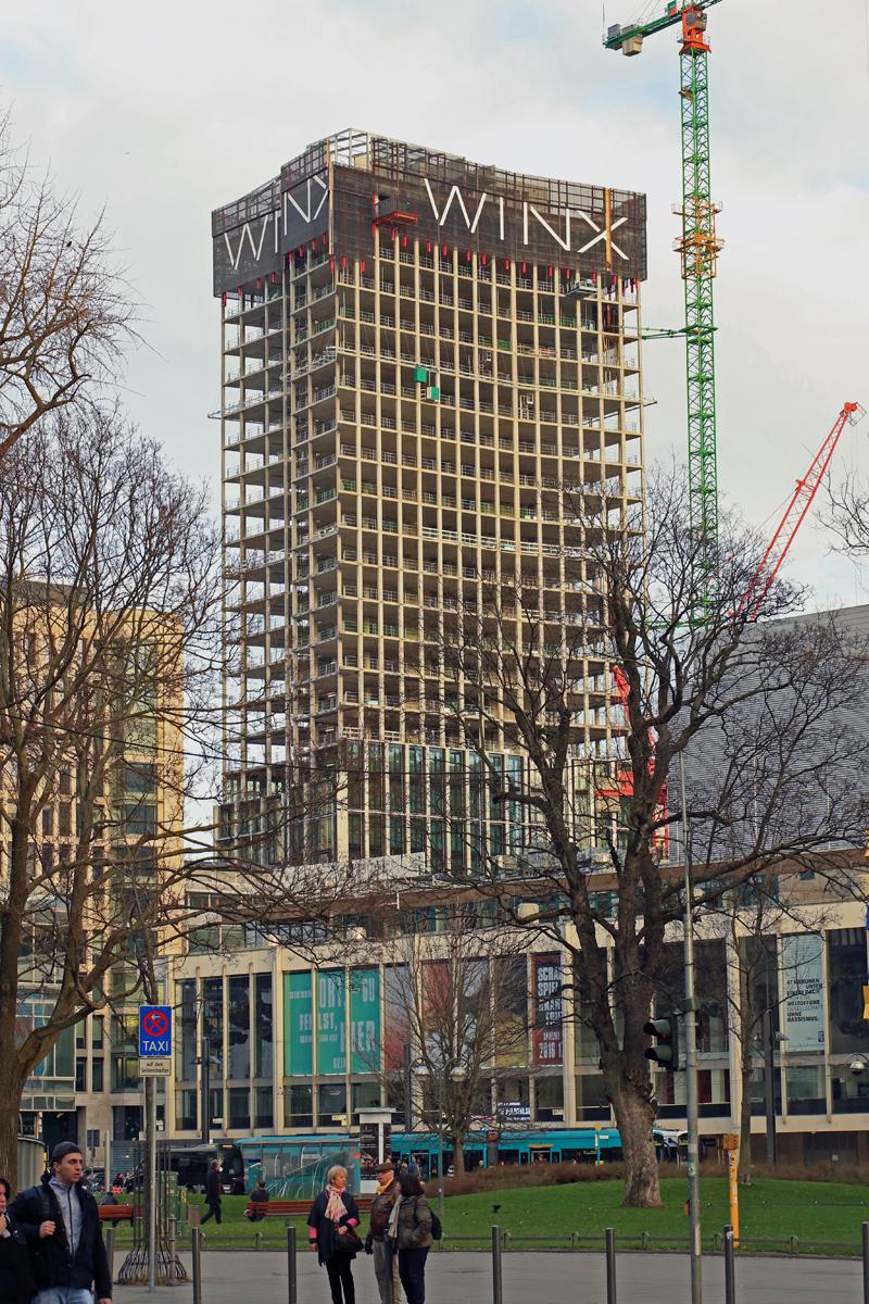 Bild: http://www.deutsches-architektur-forum.de/pics//cyfi/Winx_1170311_6.jpg