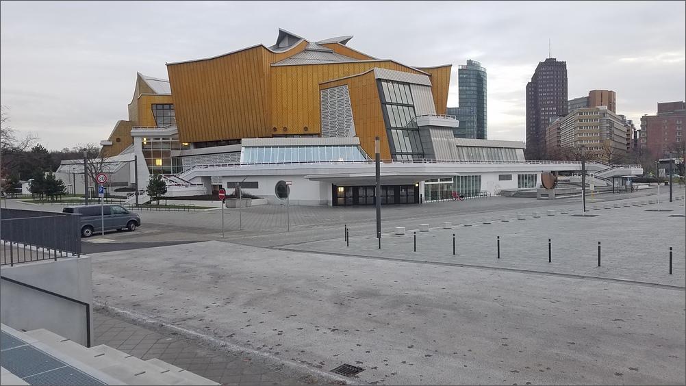 scharounplatz02.jpg