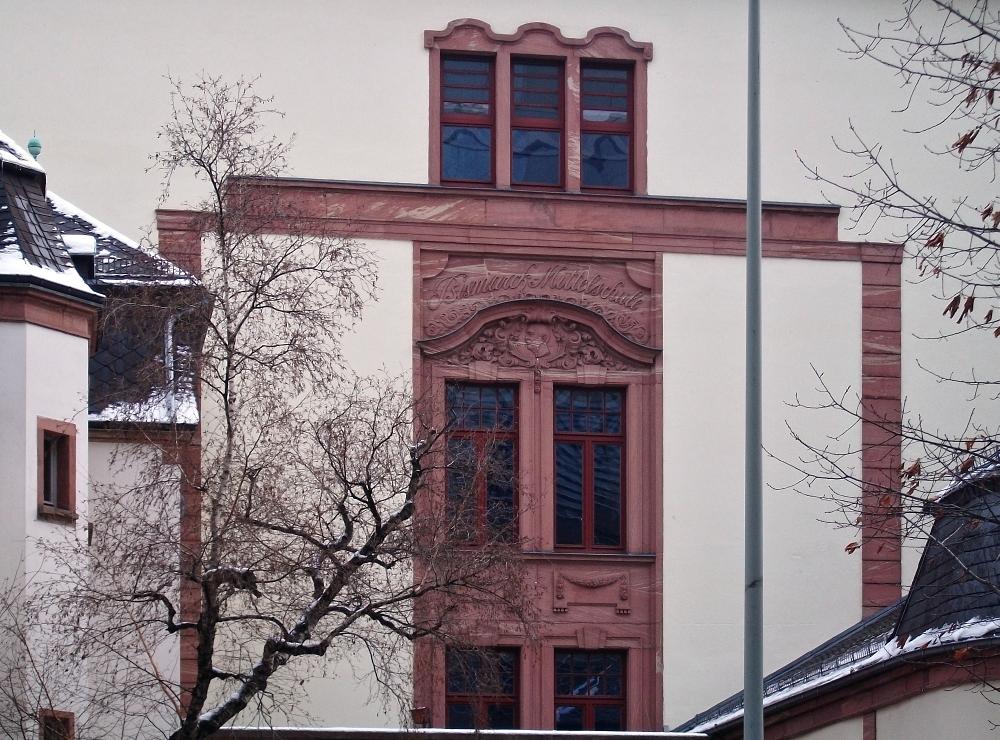 Frankfurter fassaden im detail seite 2 deutsches for Mode bekleidung schule frankfurt