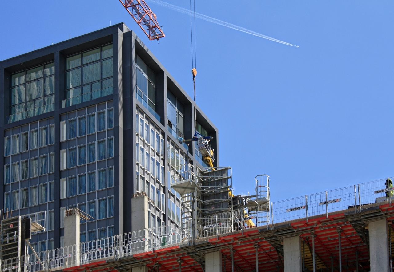 Bild: http://www.deutsches-architektur-forum.de/pics/schmittchen/3662_marieninsel.jpg