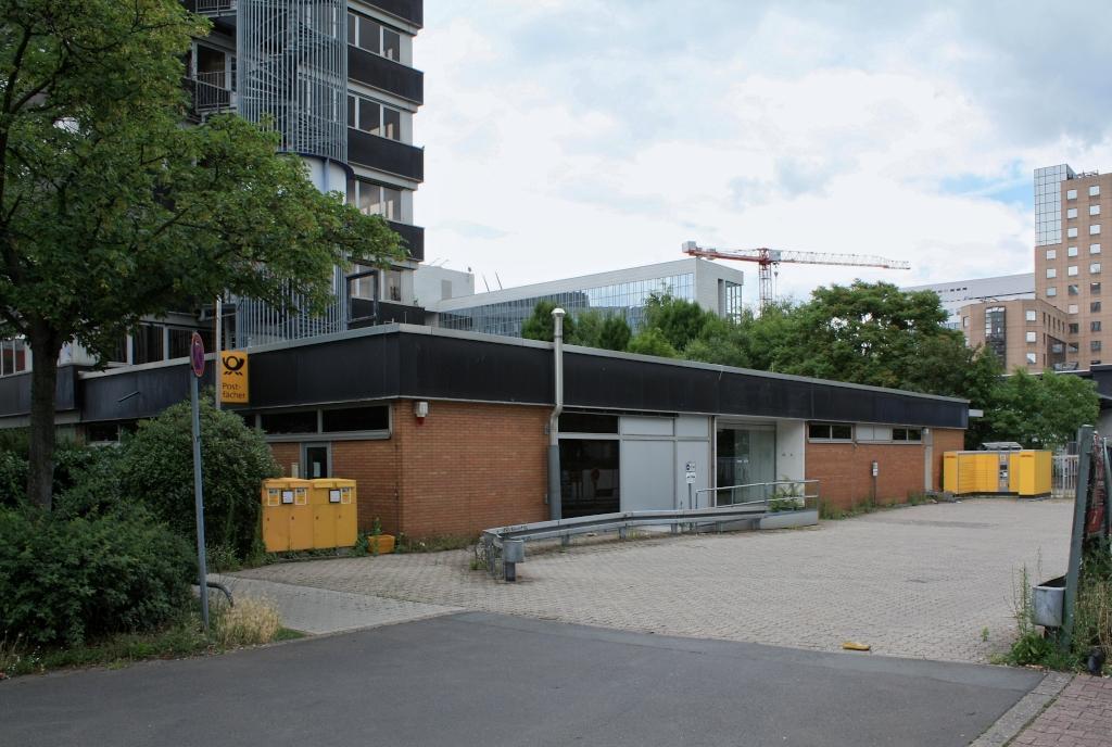 Bild: http://www.deutsches-architektur-forum.de/pics/schmittchen/4076_lyoner_strasse_11.jpg