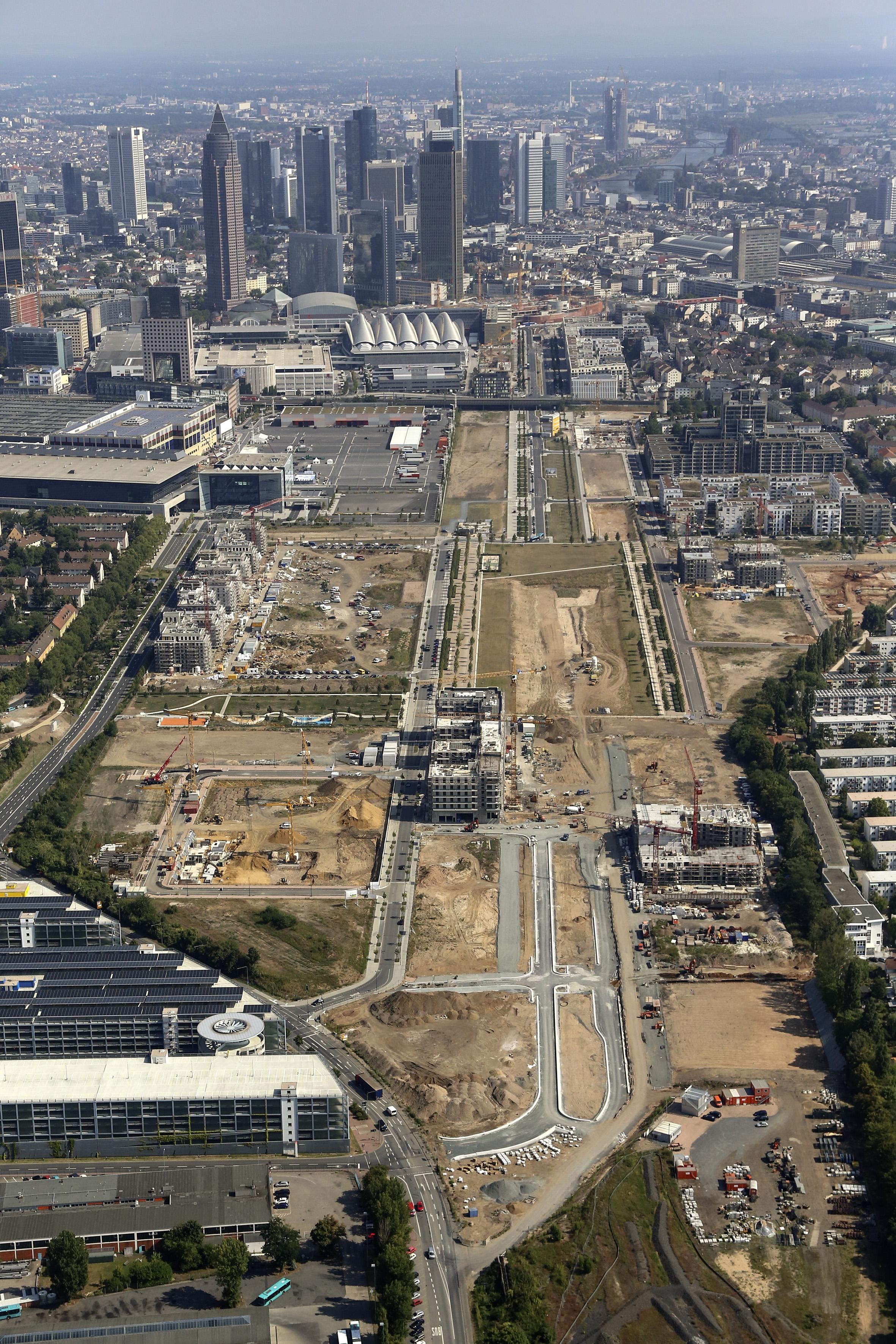 Europaviertel west ohne quartier boulevard mitte for Frankfurt architektur