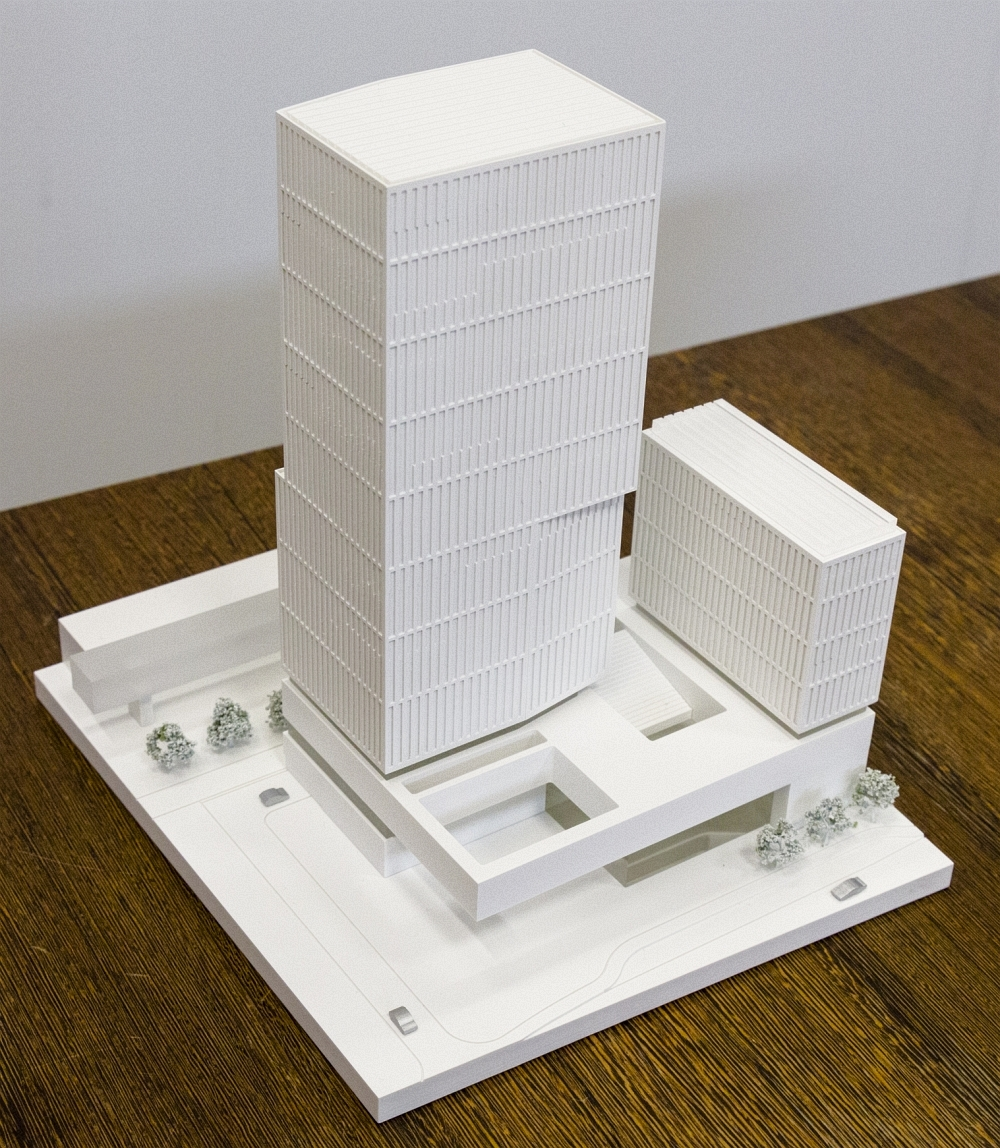 Neue Dusche Planen : Messehalle 12 (in Bau) & Messeeingang S?d mit Hochhaus (geplant