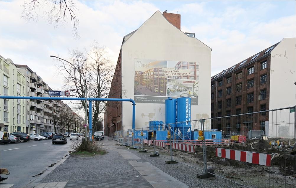 helmholtzstr_torhaus2_01.jpg