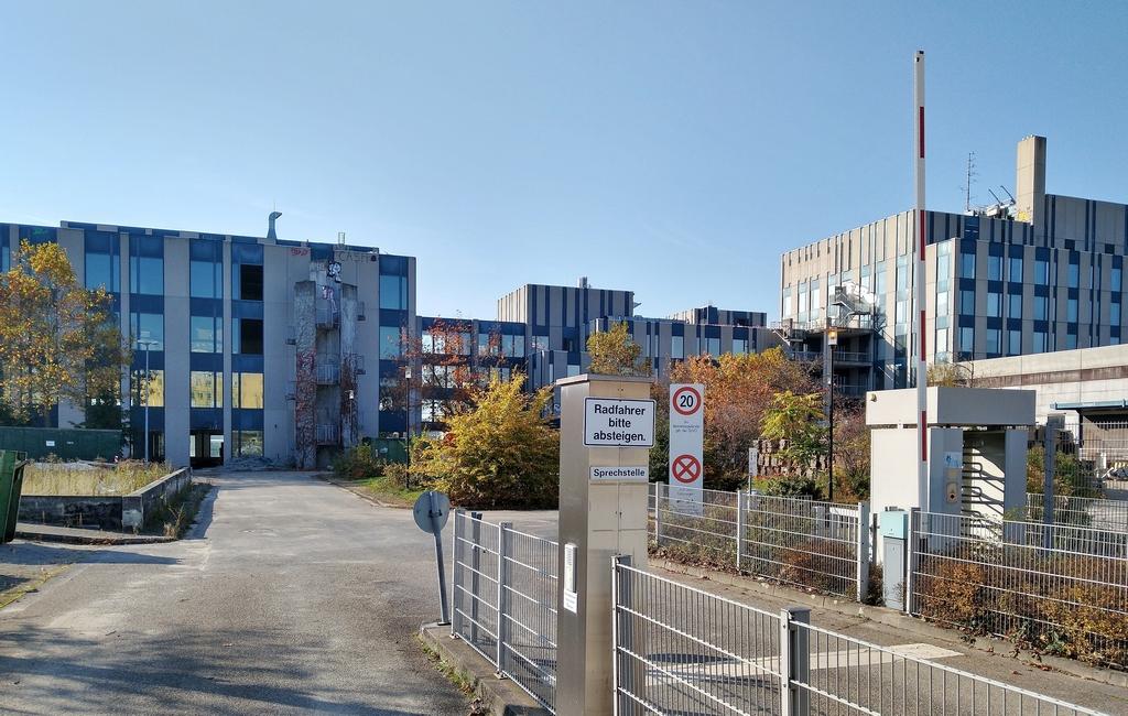 Bild: https://www.deutsches-architektur-forum.de/pics/schmittchen/4113_siemens-abbruch_bockenheim.jpg