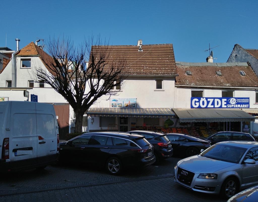 Bild: https://www.deutsches-architektur-forum.de/pics/schmittchen/4238_roedelheim_update.jpg