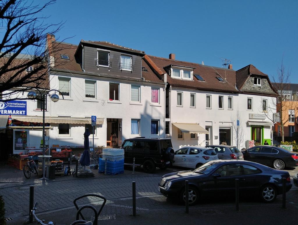 Bild: https://www.deutsches-architektur-forum.de/pics/schmittchen/4239_roedelheim_update.jpg