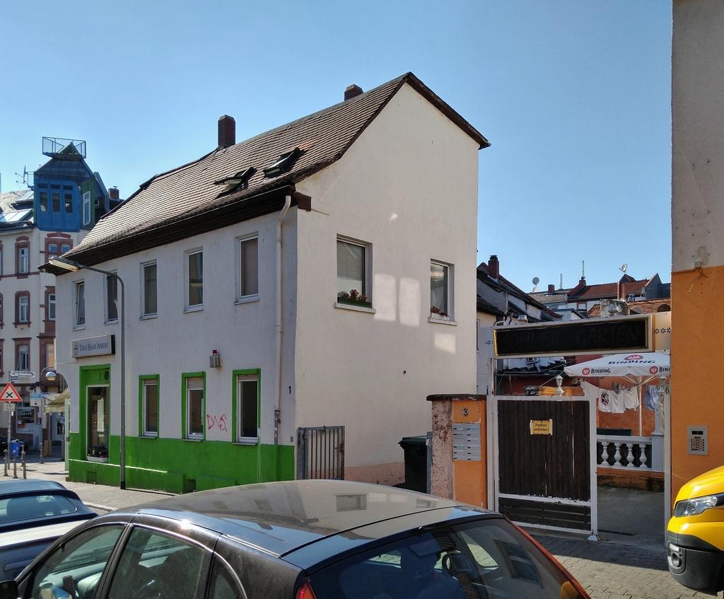 Bild: https://www.deutsches-architektur-forum.de/pics/schmittchen/4240_roedelheim_update.jpg