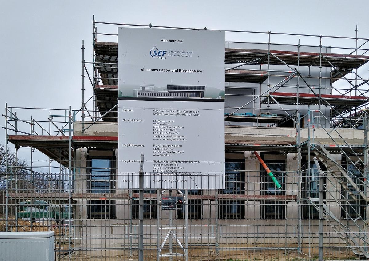 Bild: https://www.deutsches-architektur-forum.de/pics/schmittchen/4258_lyonerquartier.jpg