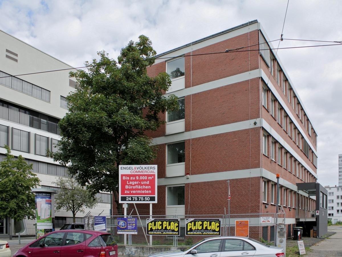 Bild: https://www.deutsches-architektur-forum.de/pics/schmittchen/4277_kleyerstr.82.jpg