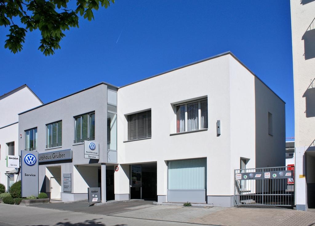 Bild: https://www.deutsches-architektur-forum.de/pics/schmittchen/4288_frankenallee_ah_gruber.jpg