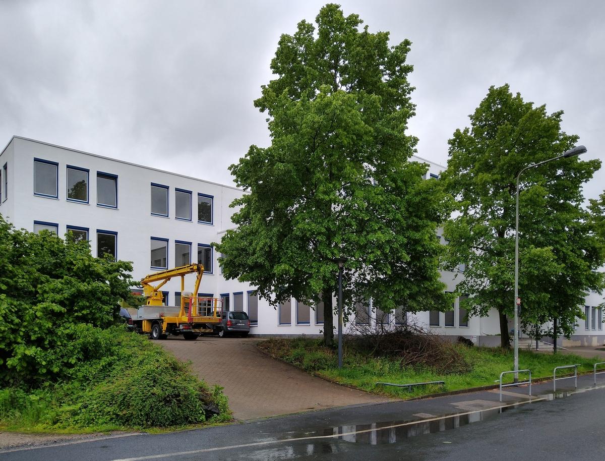 Bild: https://www.deutsches-architektur-forum.de/pics/schmittchen/4309_hausener_weg_120.jpg