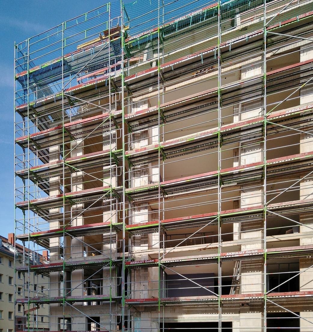 Bild: https://www.deutsches-architektur-forum.de/pics/schmittchen/4338_burgstr._106.jpg