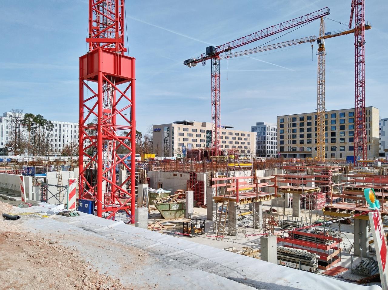 Bild: https://www.deutsches-architektur-forum.de/pics/schmittchen/4350_gateway-gardens.jpg