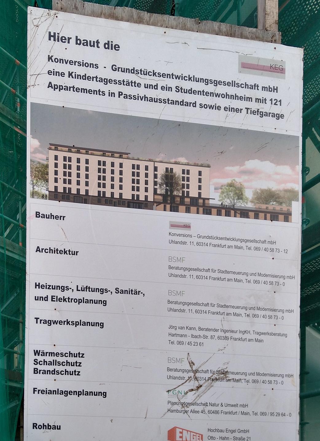 Bild: https://www.deutsches-architektur-forum.de/pics/schmittchen/4675_rohmerplatz.jpg