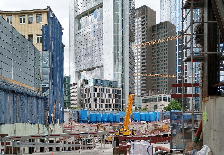 Bild: https://www.deutsches-architektur-forum.de/pics/schmittchen/4785_four.jpg
