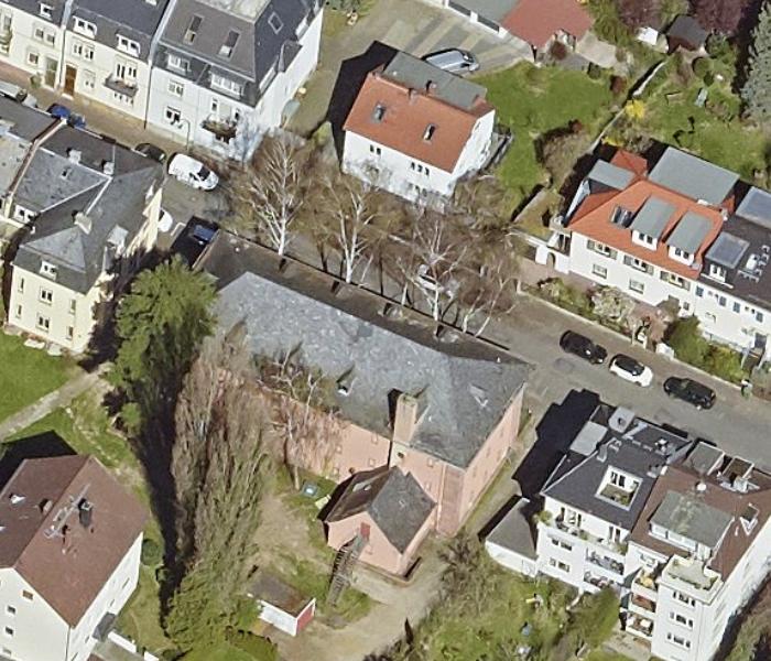 Bild: https://www.deutsches-architektur-forum.de/pics/schmittchen/bunker_bruehlstrasse_000.jpg