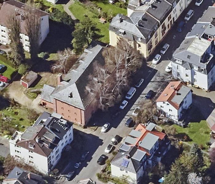 Bild: https://www.deutsches-architektur-forum.de/pics/schmittchen/bunker_bruehlstrasse_001.jpg